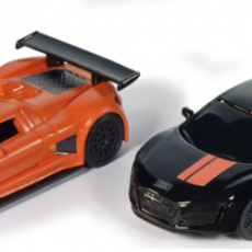 Black and Orange Gumpert Apollo en Audi R8