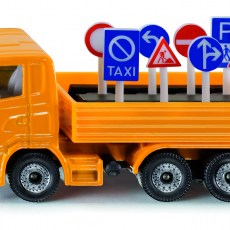 Vrachtwagen met verkeersborden
