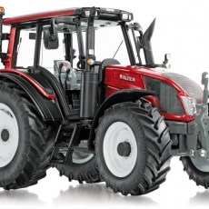 Valtra N143 tractor