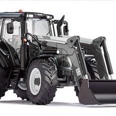 Valtra N123 tractor met voorlader