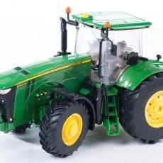 John Deere 8370R tractor