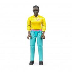 Vrouw met lichtblauwe broek en geel shirt