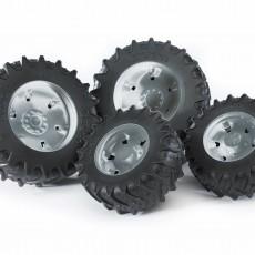 Vier zilverkleurige tractorbanden 3000 serie