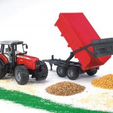 Massey Ferguson tractor met kipper