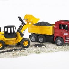 MAN vrachtwagen met Fiat shovel