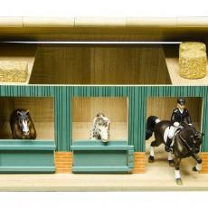 Paardenstal met 2 boxen en werkruimte