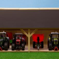 Houten schuur voor 4 tractoren