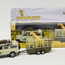 Safari Land Rover Defender met giraffes en giraffetrailer