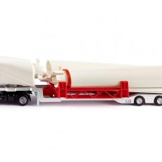 MB vrachtwagen met windturbine