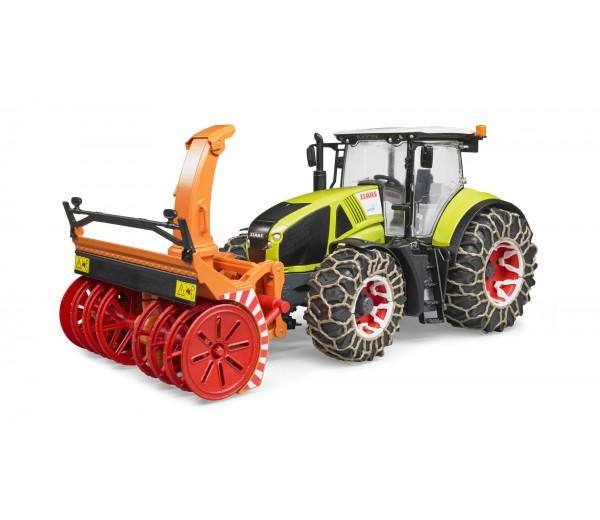 Claas tractor met sneeuwblazer