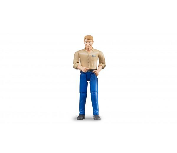 Man met blauwe broek en beige shirt