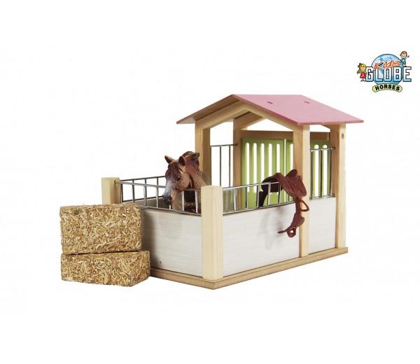 Compacte houten paardenstal