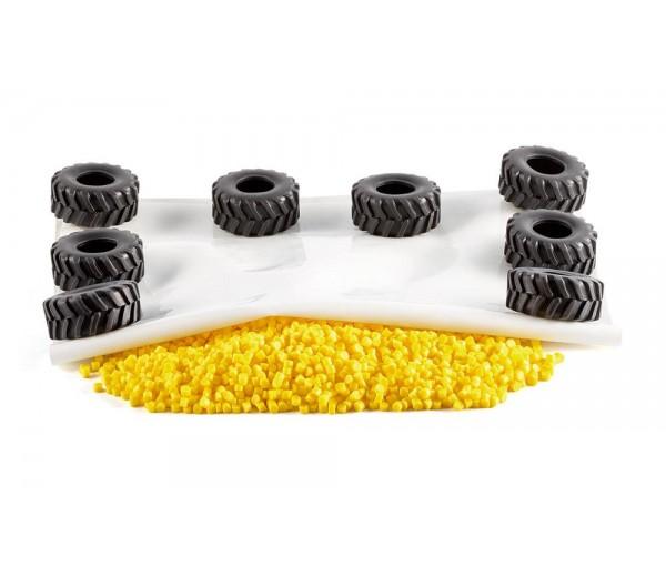 Landbouwfolie, granulaat en 12 autobanden