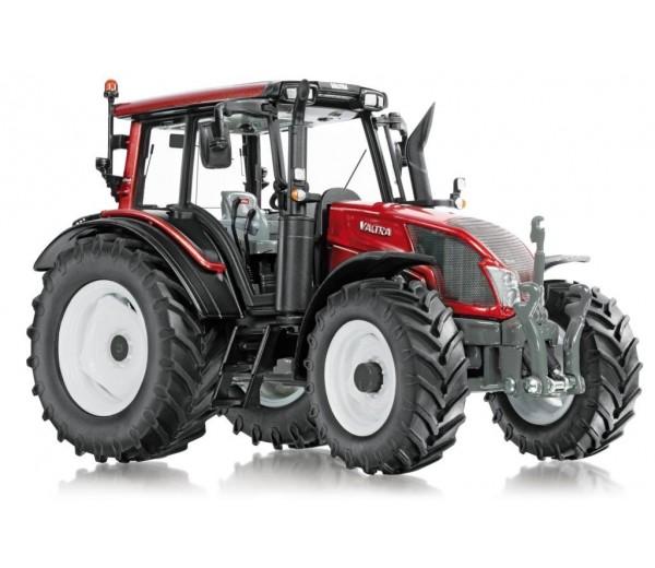 Valtra N143 tractor