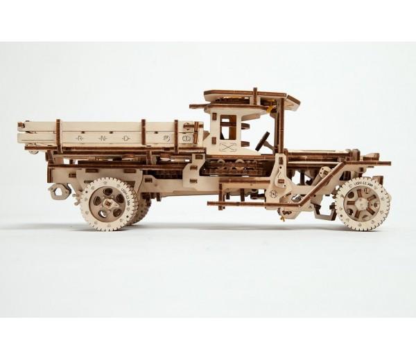 Truck UGM 11 modelbouw